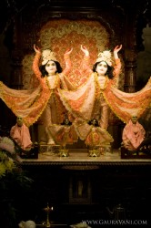 Sri Sri Gaura Nitai, the founders of kirtan.
