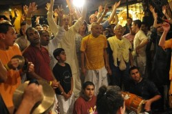 Chanters and Musicians at the 24 Hour Kirtan 2009 (Photo by Adideva)