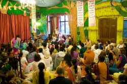 Kirtan in the Manor Templeroom